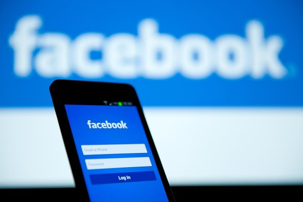 Facebook торгует номерами пользователей, даже если их нет в профиле