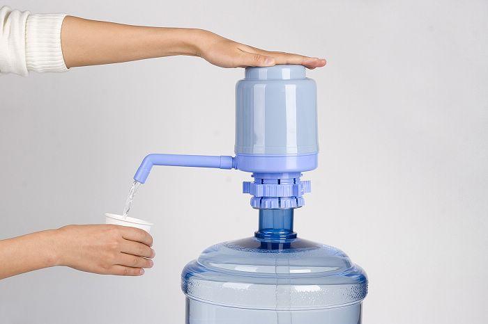 Доставка воды на дом от интернет-магазина voda.kh.ua по приятной стоимости